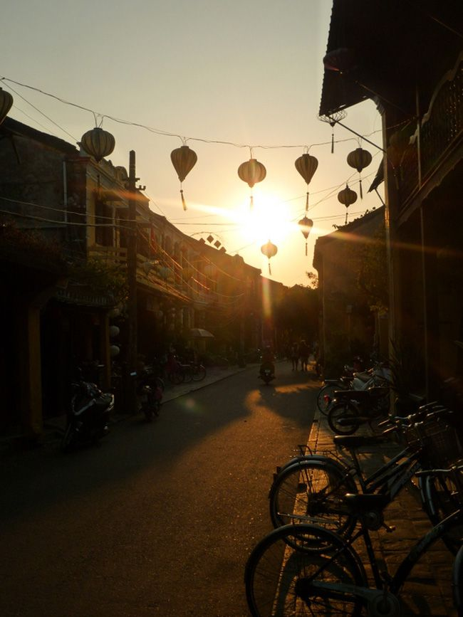 real-life-honeymoon-inspiration-from-malaysia-and-vietnam-Hoi-An-(62)