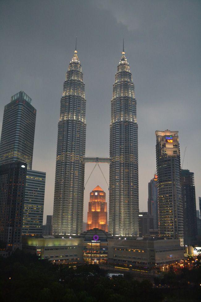 real-life-honeymoon-inspiration-from-malaysia-and-vietnam-Kuala-Lumpur-(8)