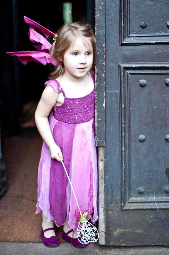 rebecca-and-toms-fantasy-inspired-autumn-wedding-with-a-plum-colour-scheme-louiseholgate.com-266