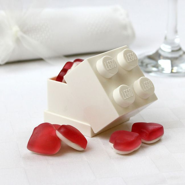 save-20-favour-accessories-may-wedding-ideas-shop-Lego-favour-box-1.99-was-2.50
