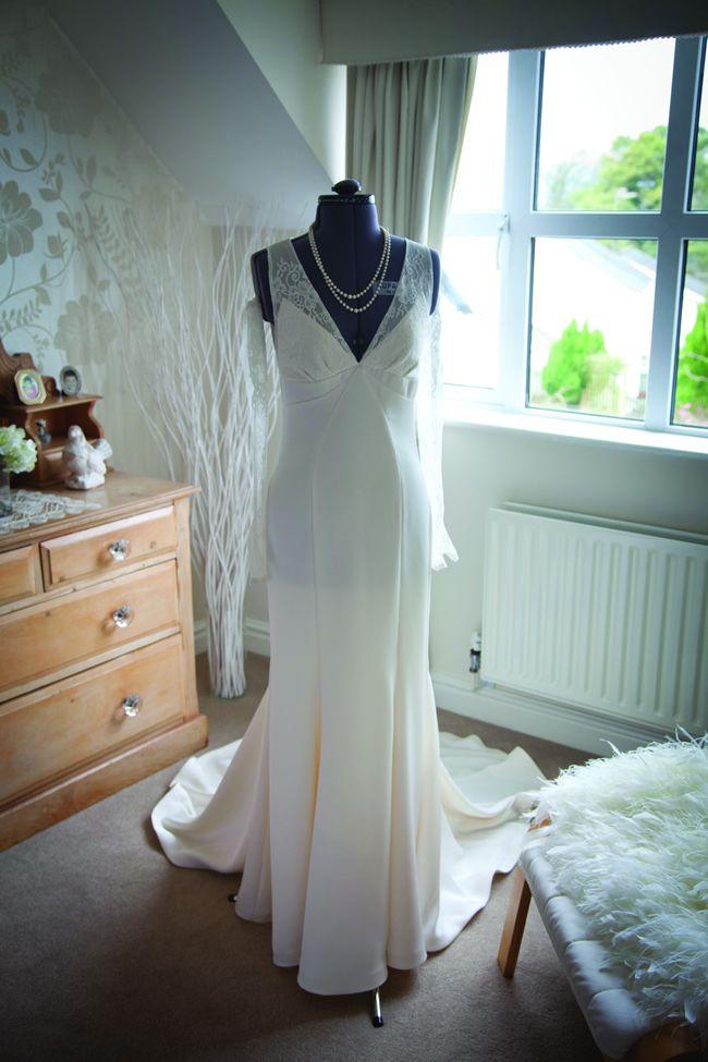 we-love-sarah-and-ossis-glamorous-vintage-winter-wedding-tireedawson.co.uk_3584