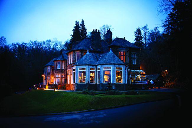 we-love-sarah-and-ossis-glamorous-vintage-winter-wedding-tireedawson.co.uk_4579