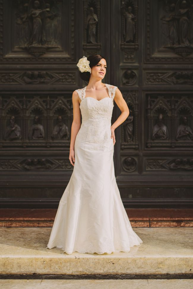 10-top-tips-for-buying-a-wedding-dress-for-the-summer-Paola