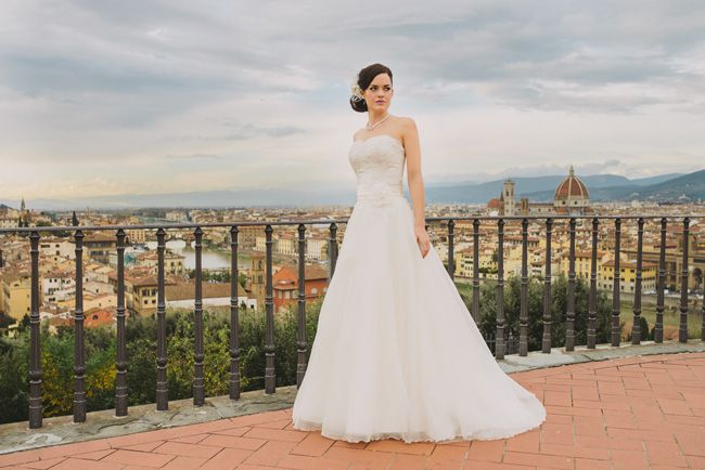 10-top-tips-for-buying-a-wedding-dress-for-the-summer-Roseta