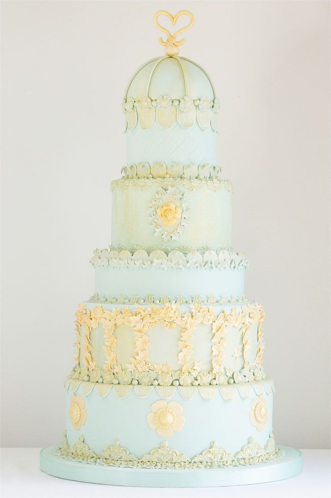 15-of-the-prettiest-wedding-cakes-with-flowers-Cakes-by-Krishanthi-Elegant-Opulence-POA-serves-280-