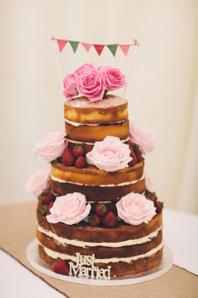 15-of-the-prettiest-wedding-cakes-with-flowers-albertpalmerphotography.com