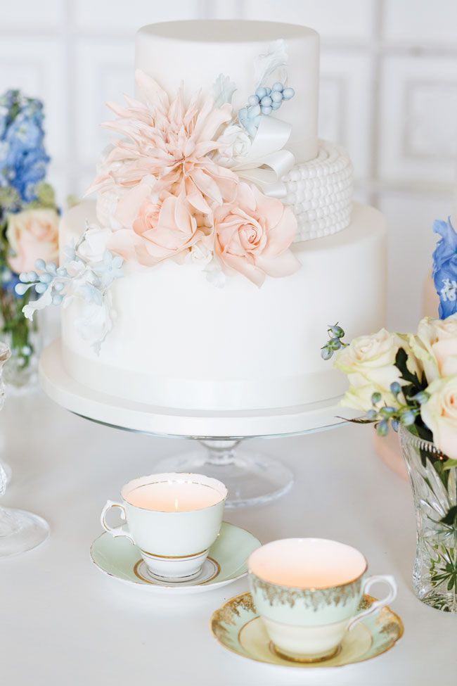 15-of-the-prettiest-wedding-cakes-with-flowers-eddie-judd-photography-cakes-by-kristhanthi_8692