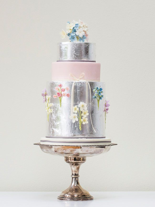 15-of-the-prettiest-wedding-cakes-with-flowers-rosalindmillercakes.com