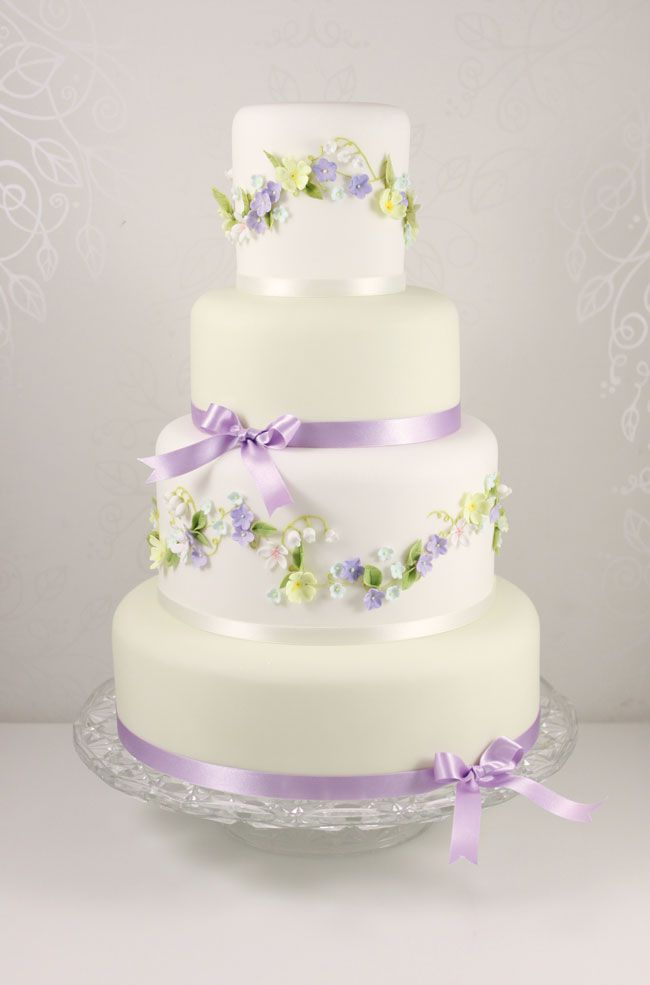15-of-the-prettiest-wedding-cakes-with-flowers-thefairycakery.com-spring-blossoms-ú390
