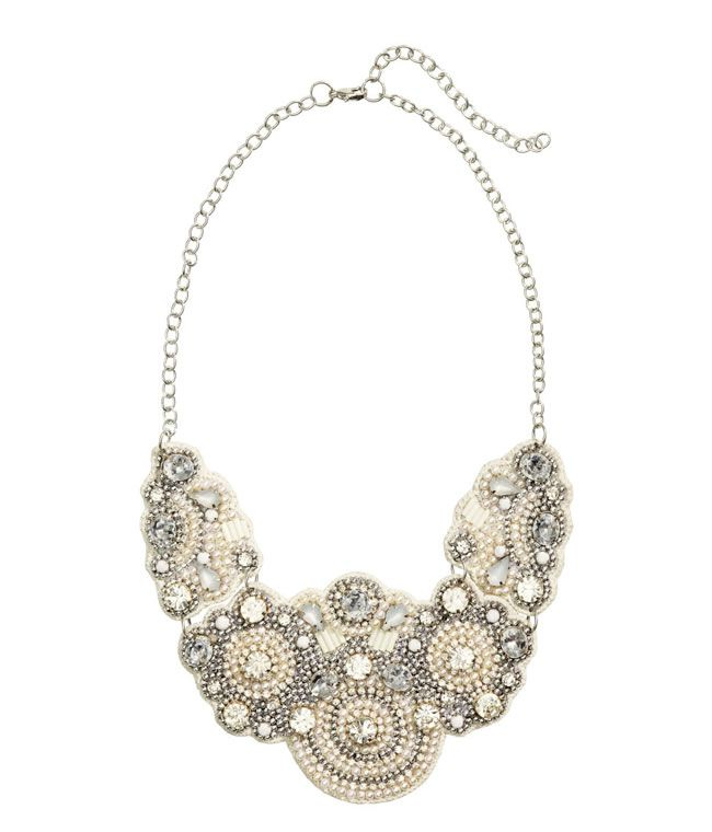 16-fab-high-street-finds-for-bridesmaids-beaded-necklace-£17.99-hm
