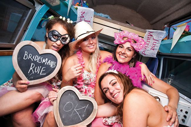 21-fun-wedding-photo-ideas-for-you-and-your-bridesmaids-katherineashdown.co.uk