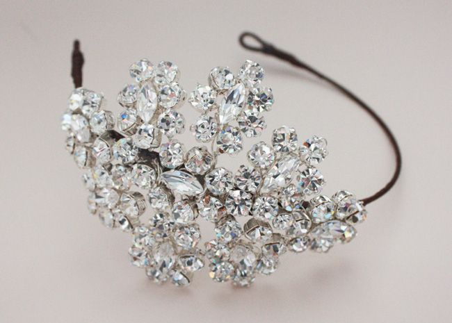 5-new-bridal-accessory-names-every-bride-to-be-should-know-jobarnesvintage.com-Jo-Barnes-Rozealla-ú395