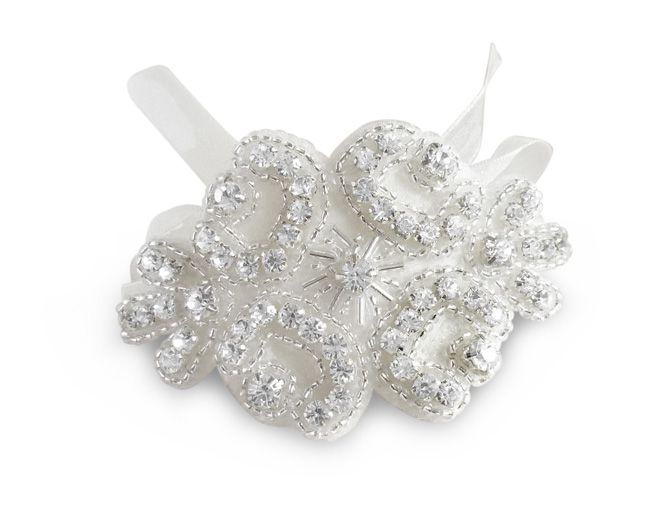 5-new-bridal-accessory-names-every-bride-to-be-should-know-sweetheartvintage.co.uk--Rhinestone-and-Beaded-Cuff-ú44-(2)
