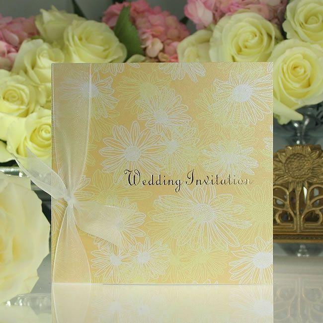 5-stunning-wedding-stationery-designs-for-spring-2015-Daisy-Daisy