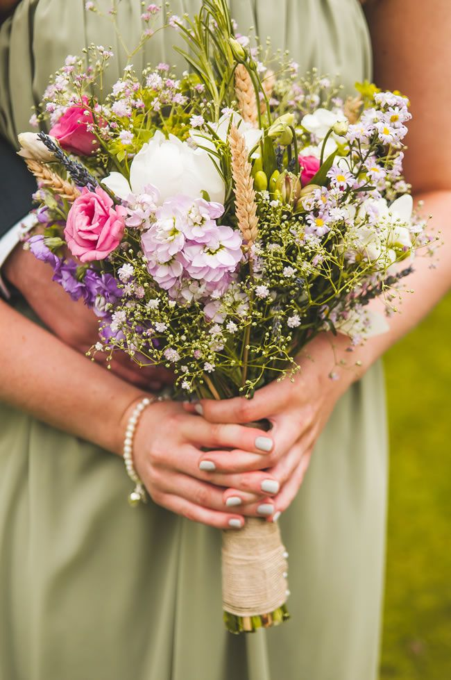 50 of the best wedding bouquets for brides and maids © chrisbarberphotography.co.uk