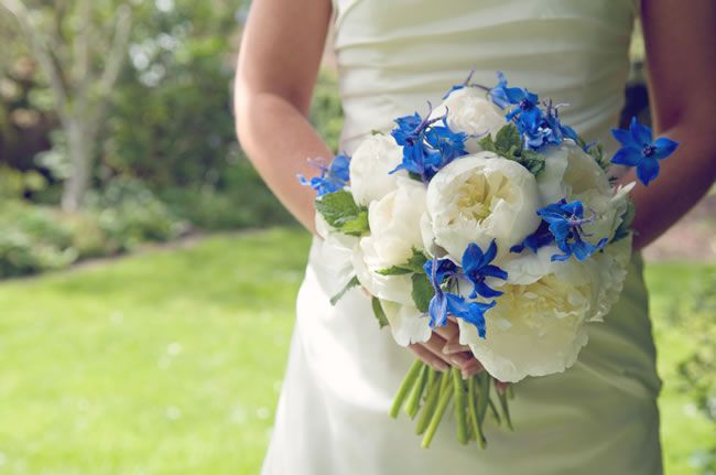 50 of the best wedding bouquets for brides and maids © hollydeacondesign.com