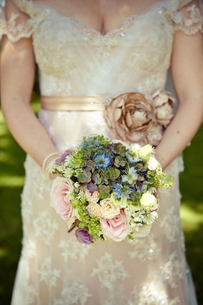 50 of the best wedding bouquets for brides and maids © lolarosephotography.com