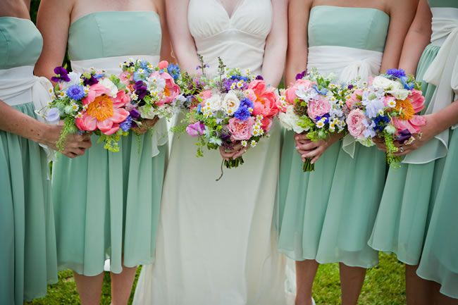 50-of-the-best-wedding-bouquets-for-brides-and-maids-sarahleggephotography.co.uk-colours