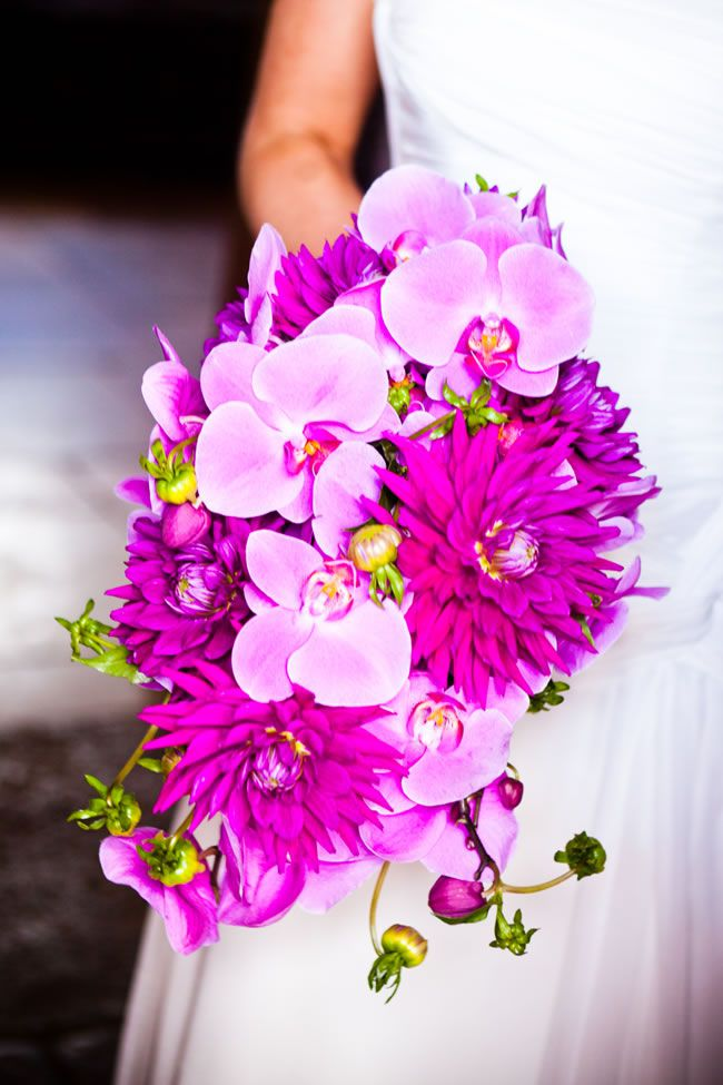 50 of the best wedding bouquets for brides and maids © sarahleggephotography.co.uk