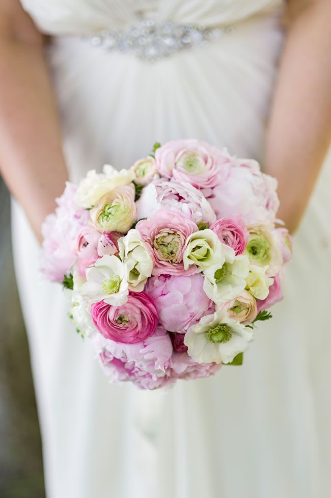 50 of the best wedding bouquets for brides and maids © shoot-lifestyle.co.uk