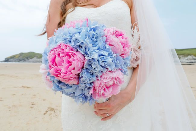 50 of the best wedding bouquets for brides and maids © staplephotography.co.uk