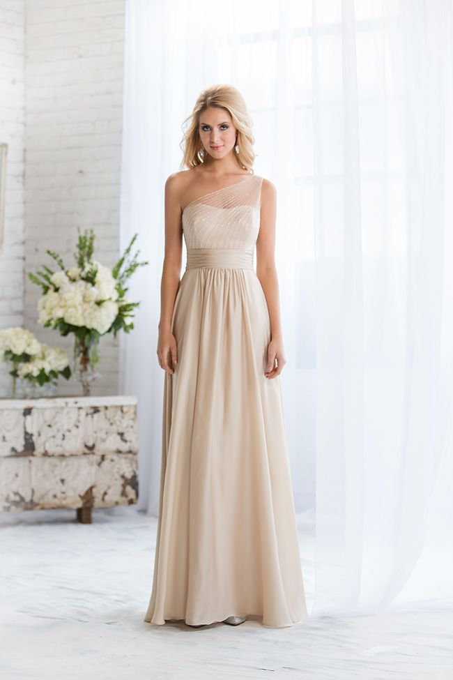 6-common-pitfalls-to-avoid-when-choosing-bridesmaid-dresses-L164056-F