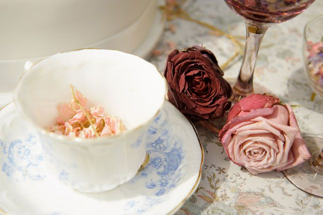 6-genius-ways-to-use-shropshire-petals-in-your-day-crockery