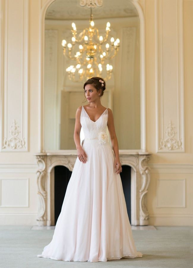 65-of-the-best-designer-wedding-dresses-for-2015-part-1-Naomi-Neoh-Clementine