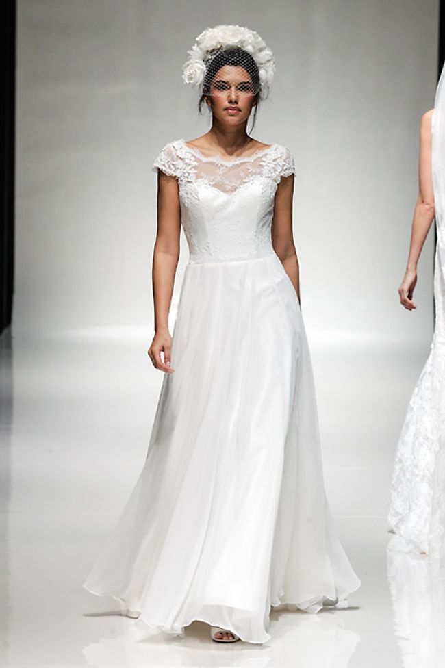 65-of-the-best-designer-wedding-dresses-for-2015-part-3-Charlotte-Balbier-'Lily-Mae'-