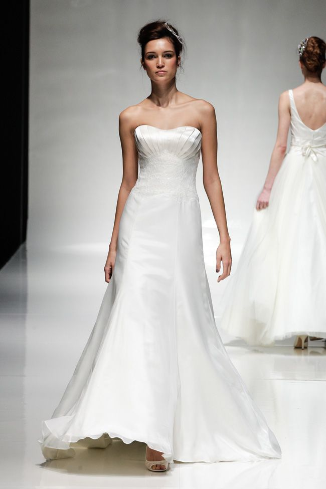 65-of-the-best-designer-wedding-dresses-for-2015-part-3-Ivory-&-Co-3