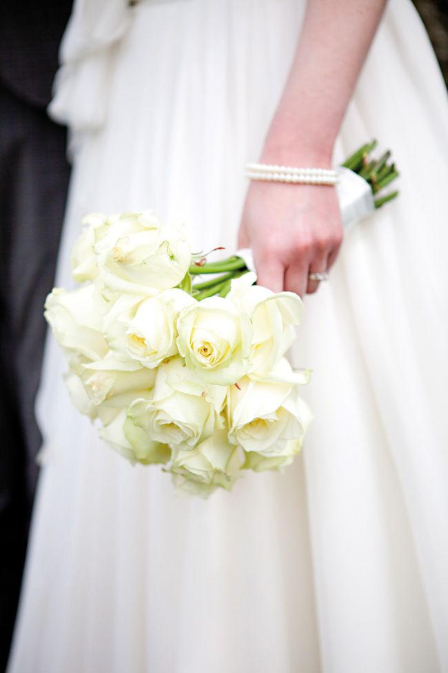 7-of-the-hottest-wedding-flower-trends-for-2015-helencawtephotography.com