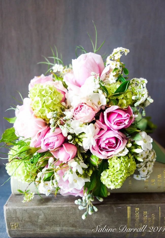 7-of-the-hottest-wedding-flower-trends-for-2015-sabine-woodland2