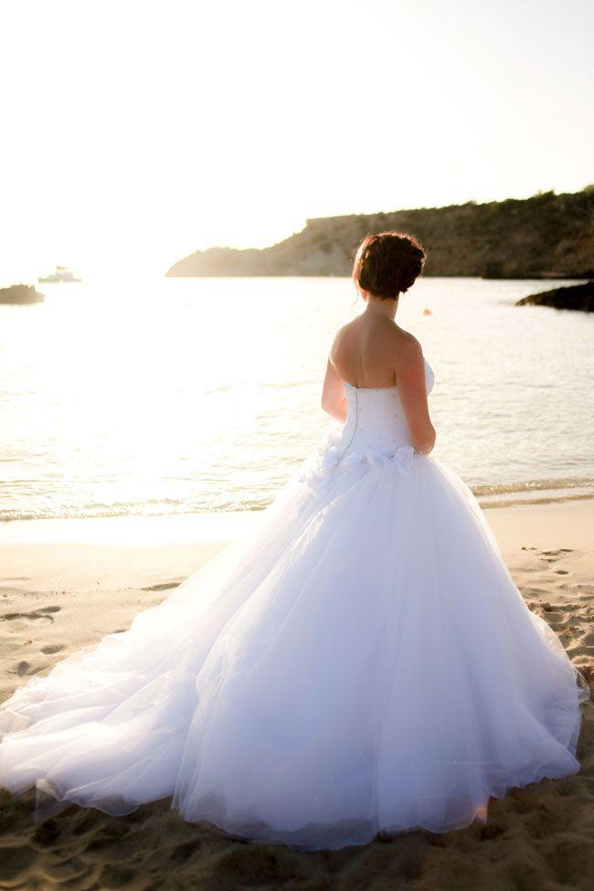 be-inspired-by-vicki-and-jamies-wonderful-real-wedding-at-cas-mila-in-ibiza-Vicki-&-Jamie-3