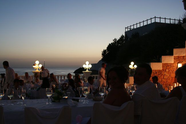 be-inspired-by-vicki-and-jamies-wonderful-real-wedding-at-cas-mila-in-ibiza-Vicki-&-Jamie-9