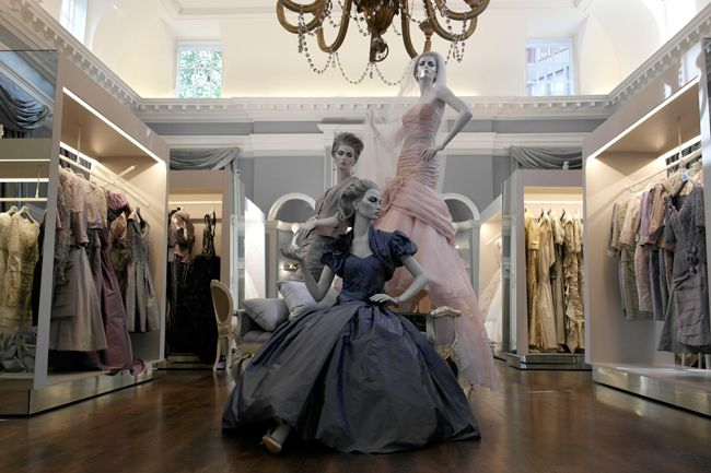 bridal-designer-ian-stuart-launches-first-retail-store-in-london-Blew_1-internal