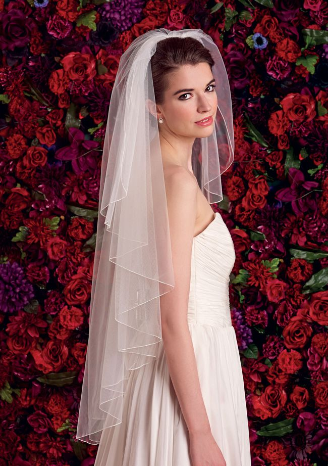 choosing-the-right-veil-to-complement-your-wedding-dress-Perfect-LS