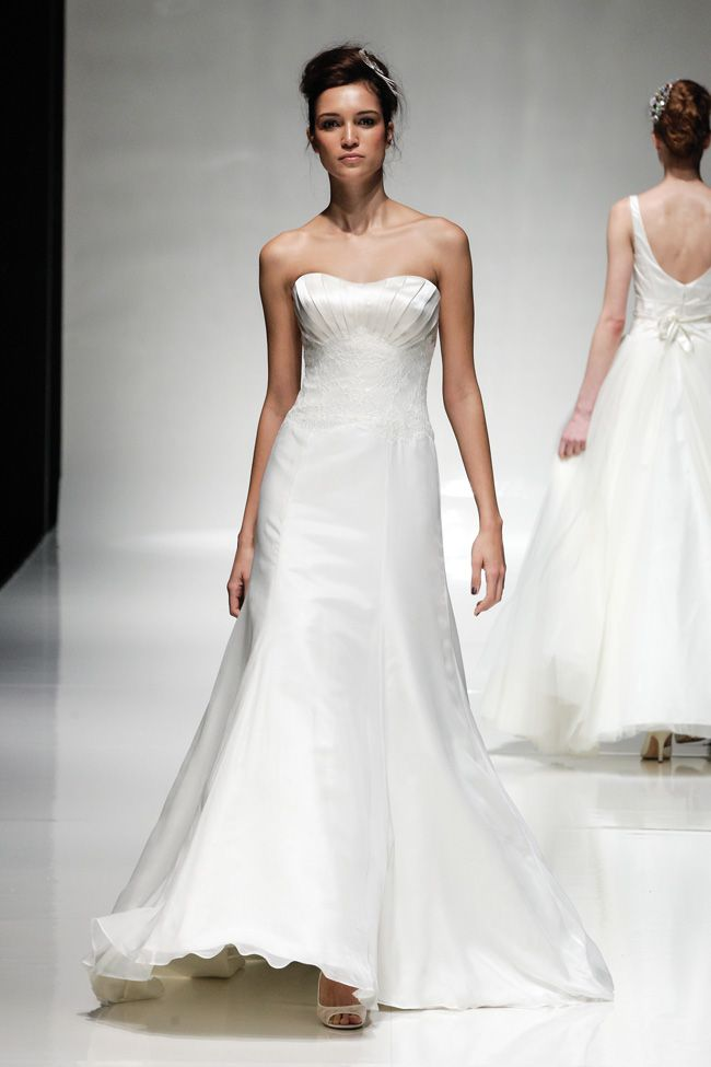designers-behind-the-dresses-ivory-co-white-gallery-2