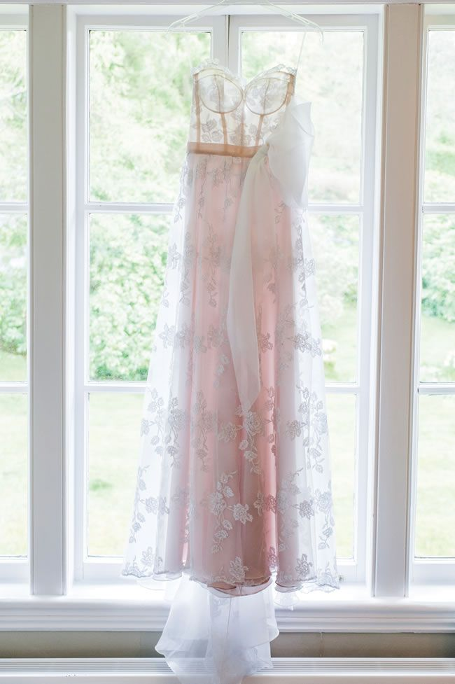 elizabeth-and-kevin-had-a-gorgeous-country-wedding-with-a-romantic-french-theme-eleanorjaneweddings.co.uk-16