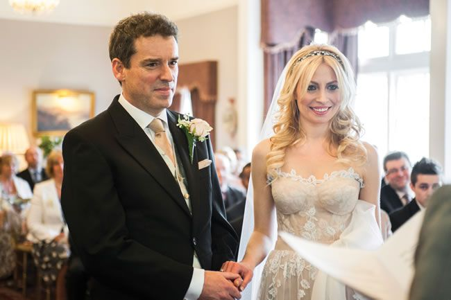 elizabeth-and-kevin-had-a-gorgeous-country-wedding-with-a-romantic-french-theme-eleanorjaneweddings.co.uk-35