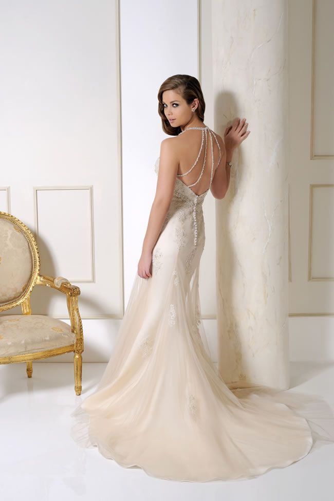 get-the-perfect-hourglass-figure-with-these-chic-sophisticated-gowns-from-benjamin-roberts-2015-2506-B coffee