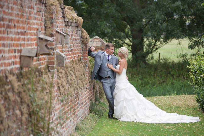 juliet-lemon-photography-captures-a-pretty-country-wedding-from-anthea-and-ollie-AO_244_IMG_5332-2