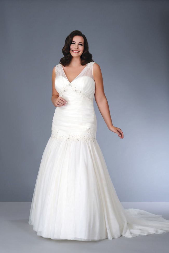 sonsies-new-collection-celebrates-curves-instead-of-hiding-them-Son-91351-01