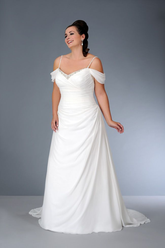 sonsies-new-collection-celebrates-curves-instead-of-hiding-them-Son-91357-01