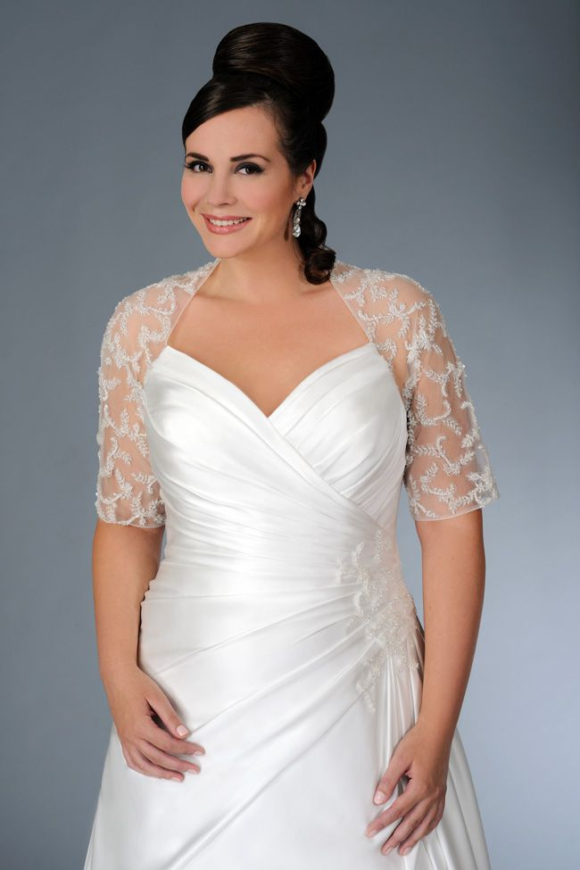 sonsies-new-collection-celebrates-curves-instead-of-hiding-them-Son-91358-02