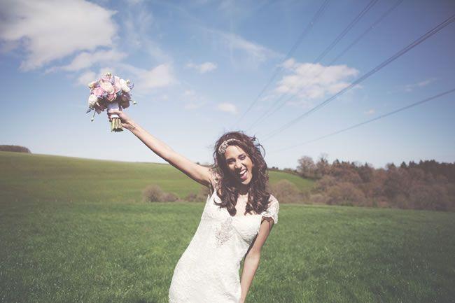 Stephanie and Tom's beautiful outdoor wedding © rachelhudson.co.uk