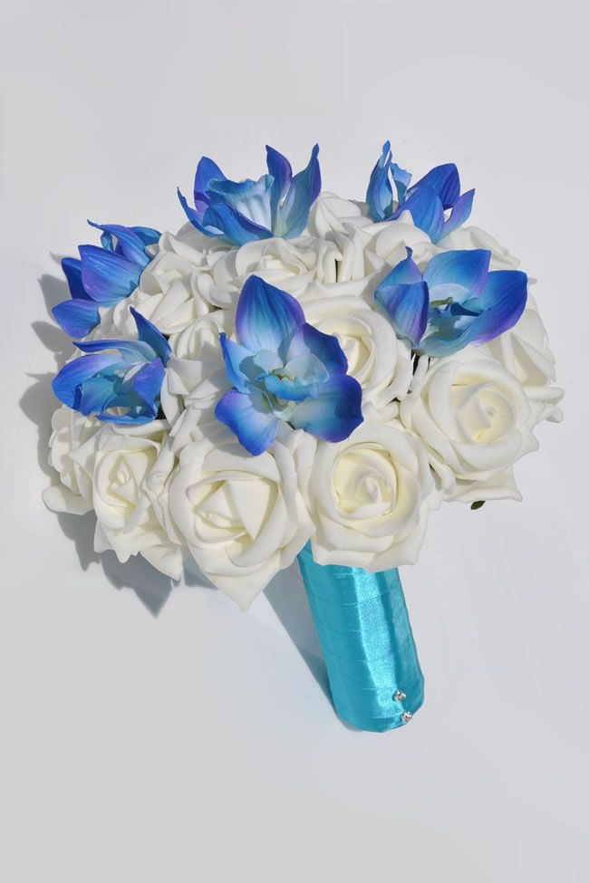 10-stylish-summer-wedding-bouquets-nelly-rose-orchid-bride_2
