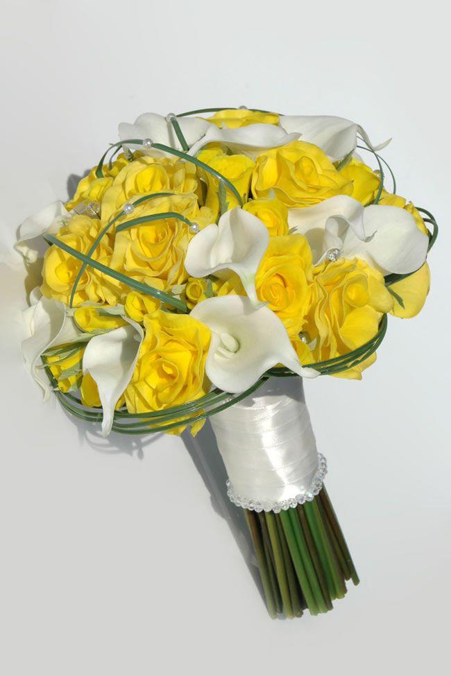 10-stylish-summer-wedding-bouquets-raina-rose-lily-bridal-bouquet_2
