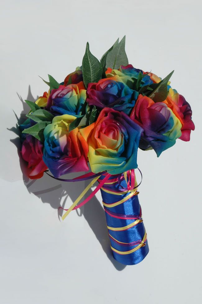 10-stylish-summer-wedding-bouquets-rosetta-rainbow-rose-bridesmaid_4