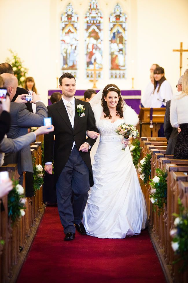 carolyn-and-chris-had-a-beautiful-winter-wedding-with-festive-touches-dominicwhiten.co.uk-1199
