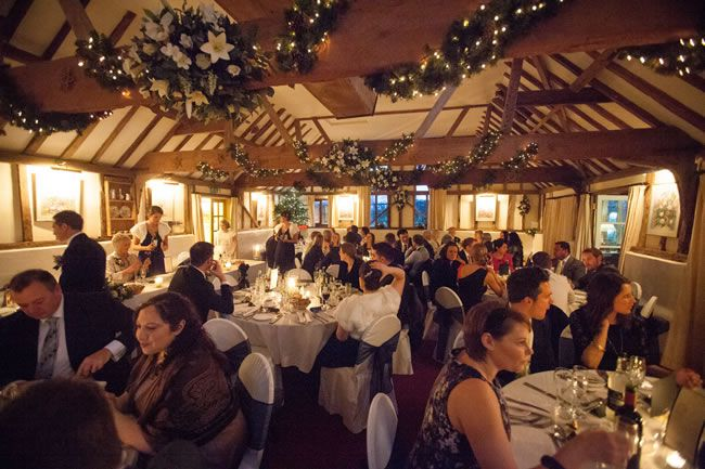 carolyn-and-chris-had-a-beautiful-winter-wedding-with-festive-touches-dominicwhiten.co.uk-1515